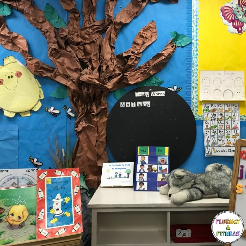decorated classroom with tree and desk